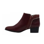 Les bottines à talon bordeaux de Jules & Jenn